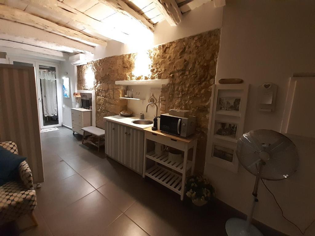 Cozy Loft in the Heart of Cagliari img6