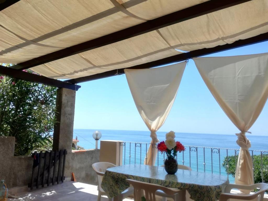 Casa Con Panorama Mozzafiato 300 m Dal Mare img8