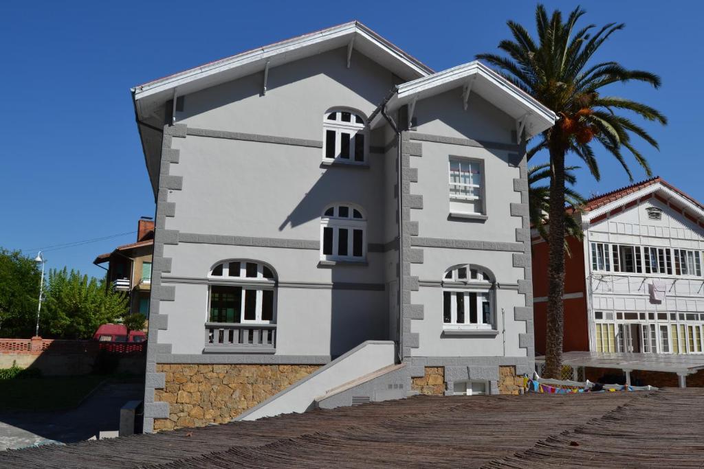 Alamar salinas house piedras blancas reserva tu hotel con viamichelin - Hotel salinas asturias ...