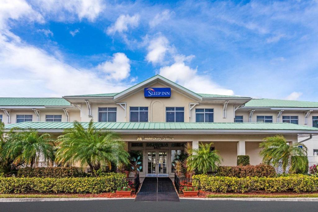 MainStay Suites at PGA Village