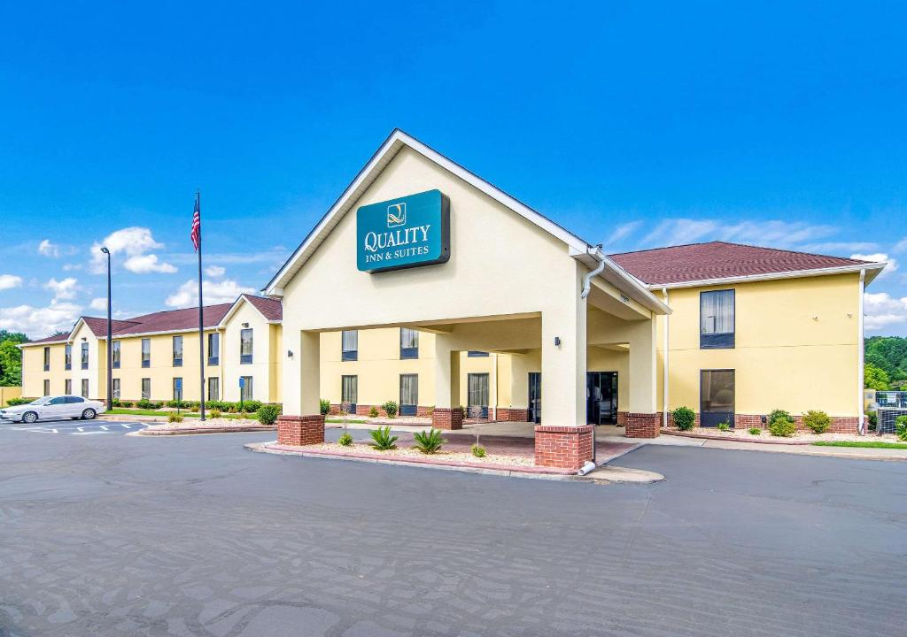 Quality Inn & Suites Canton, GA
