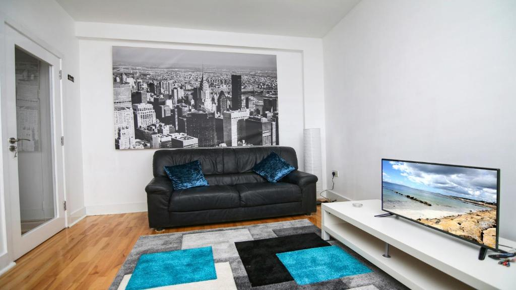 Executive 1 bedroom city centre apartment in private building