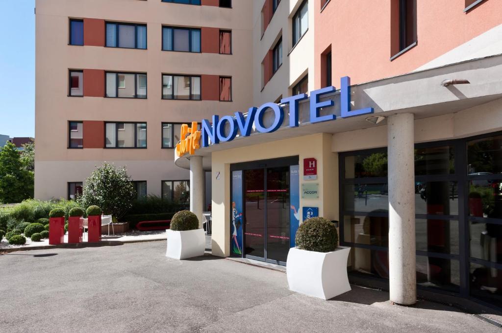 novotel suites paris velizy clamart online booking viamichelin. Black Bedroom Furniture Sets. Home Design Ideas