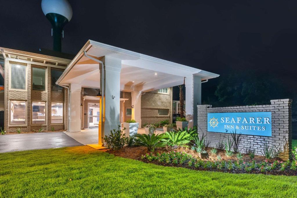 Seafarer Inn & Suites, Ascend Hotel Collection