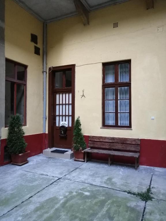 Miriam Király street 4 Persons, 1075 Budapest