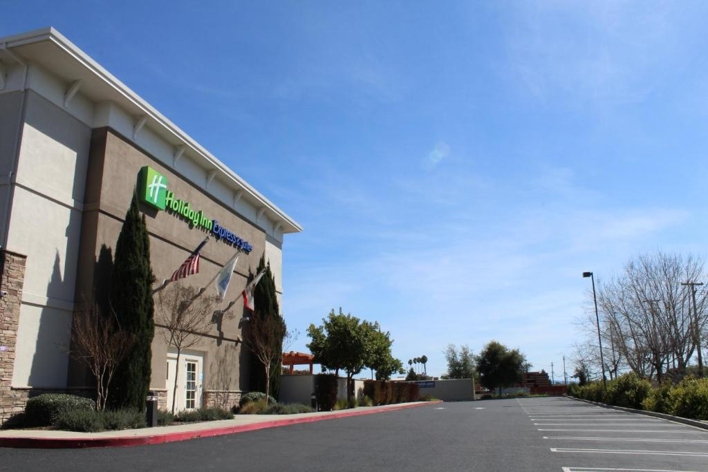 Holiday Inn Express Hotel & Suites Napa Valley-American Canyon, an IHG Hotel