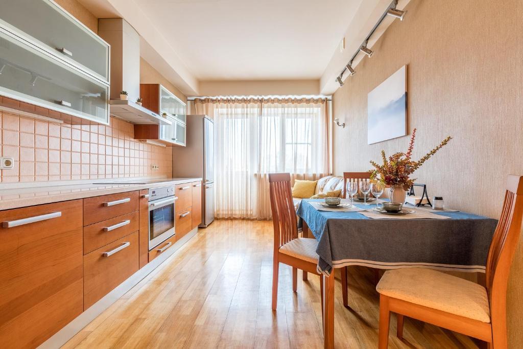Квартира с видом на Неву