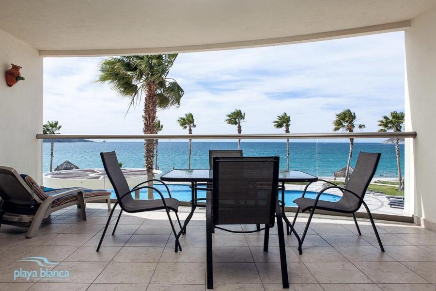 Condo Playa Blanca 207 Apartment