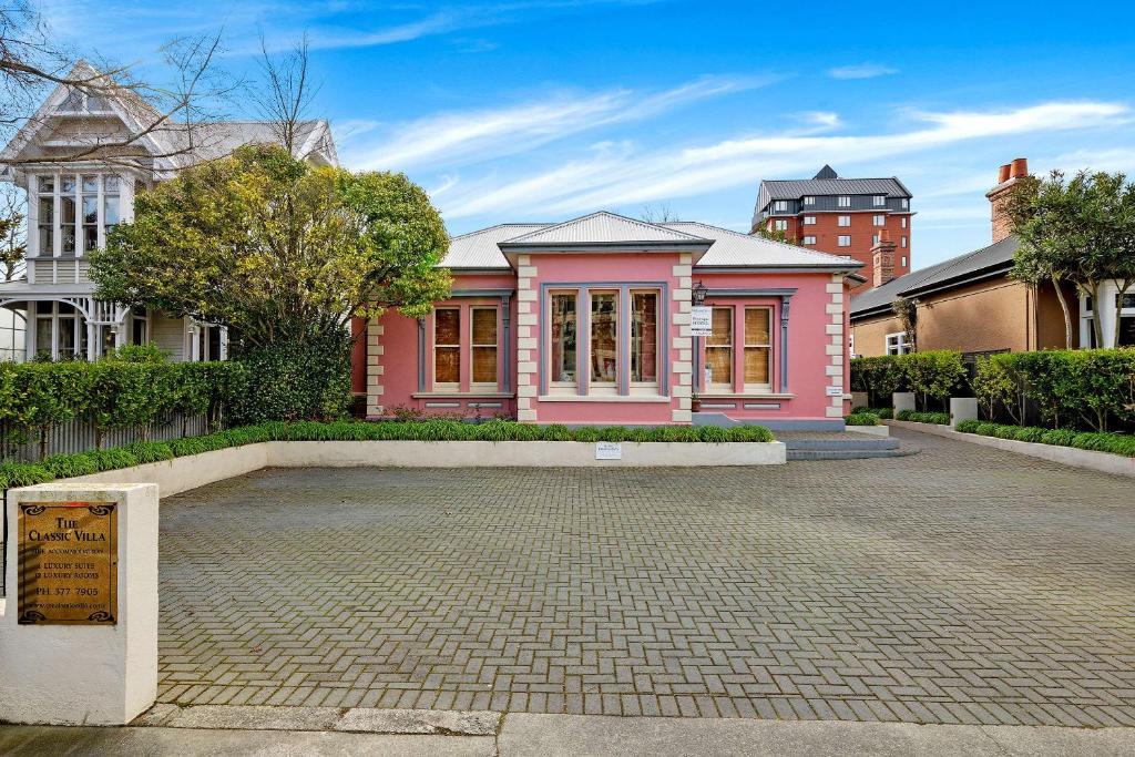 The Classic Villa