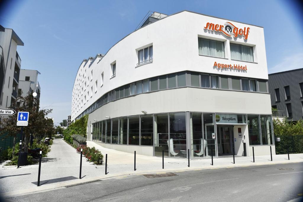Appart-Hôtel Mer & Golf City Bassins à flot