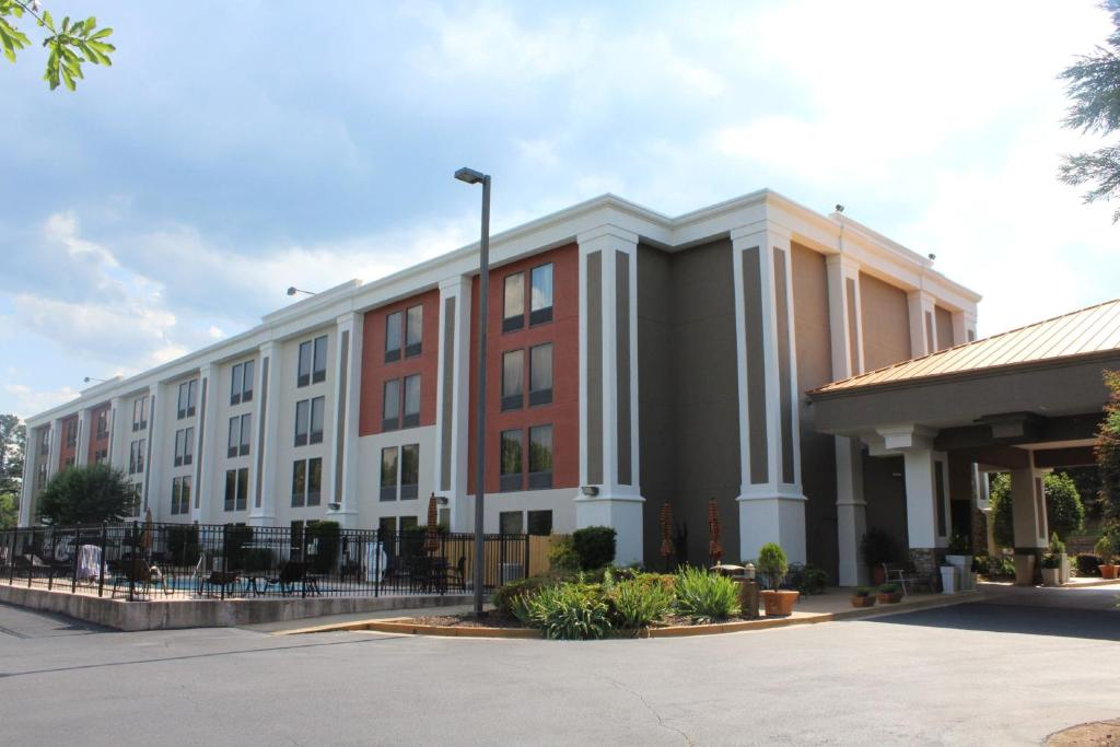 Holiday Inn Express Forsyth, an IHG Hotel