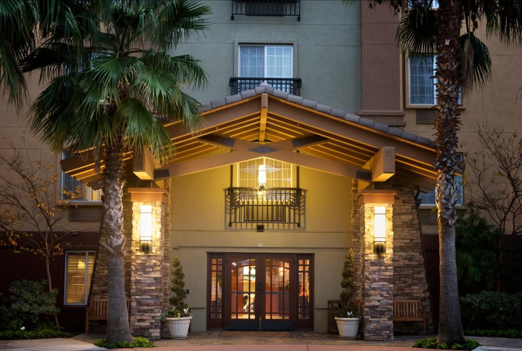Larkspur Landing Pleasanton-An All-Suite Hotel