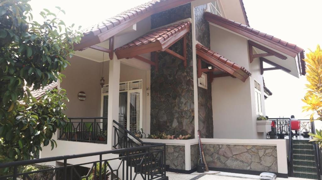 Villa Puri Gunung Geulis
