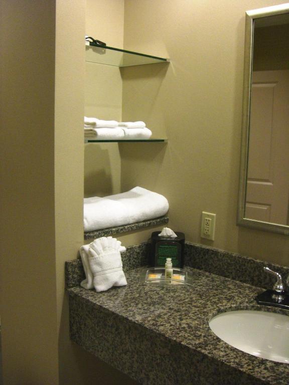 Hilton Garden Inn St. Paul/Oakdale - Oakdale - book your hotel with ...