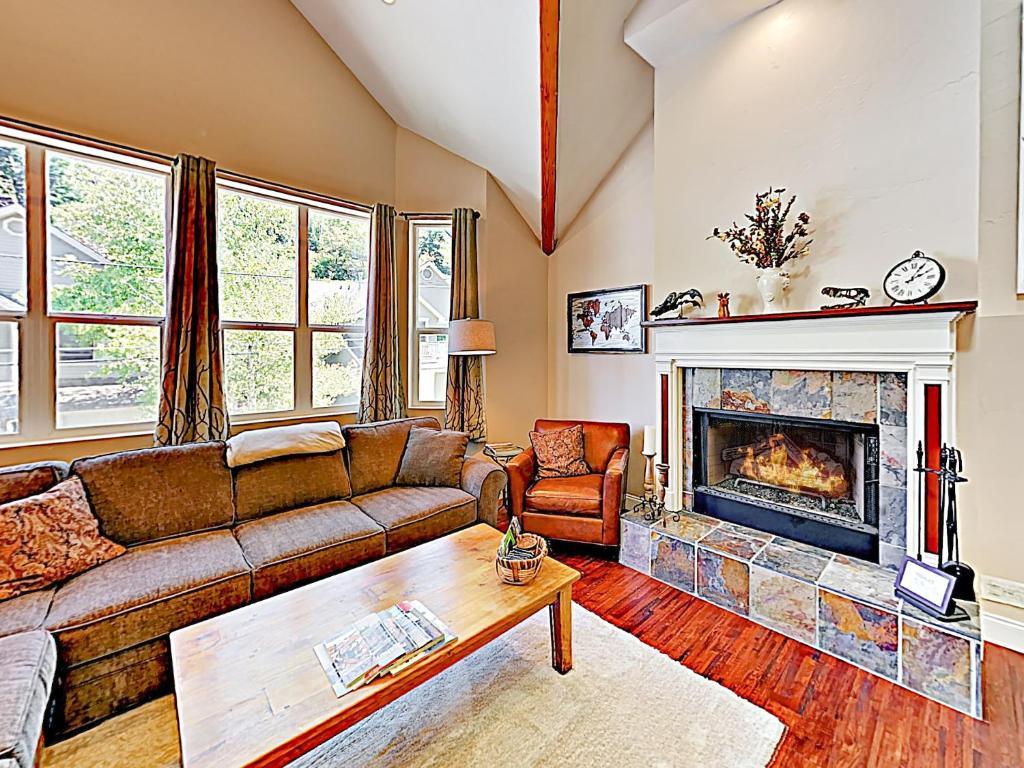 New Listing! Main Street Retreat: Private Hot Tub Home