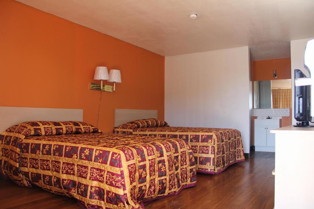 LoneStar Inn and Suite