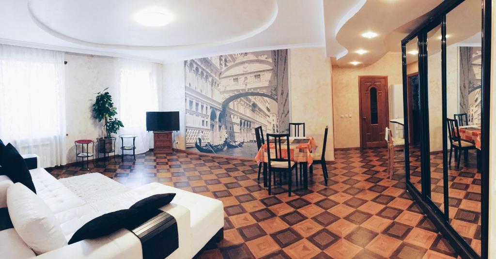 Apartment on Malaya Konyushennaya 4