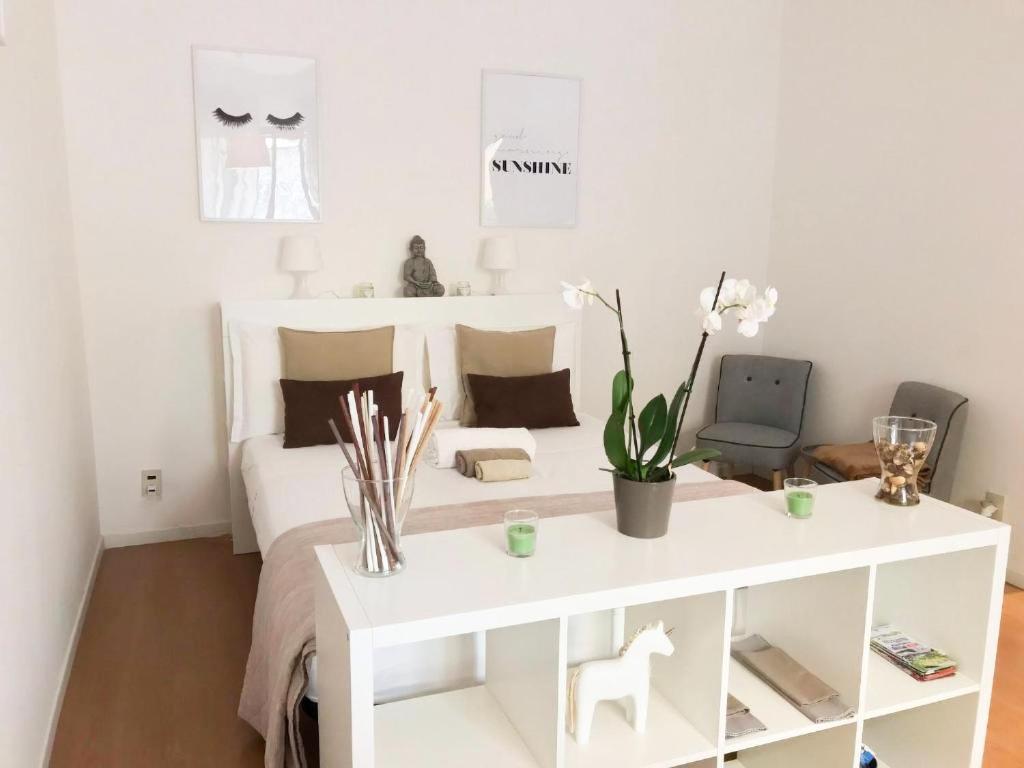 Milano Center White