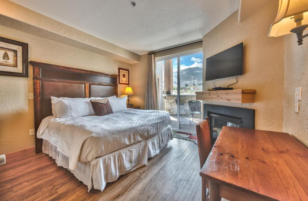 Silverado King Hotel Room by Canyons Village Rentals