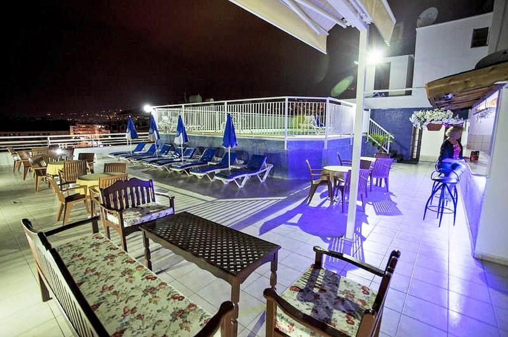 Kleopatra beach apartment in the center, 7400 Alanya