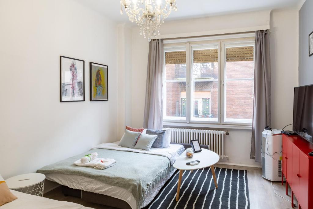Sweet Studio with Art in the Heart of Budapest, 1075 Budapest