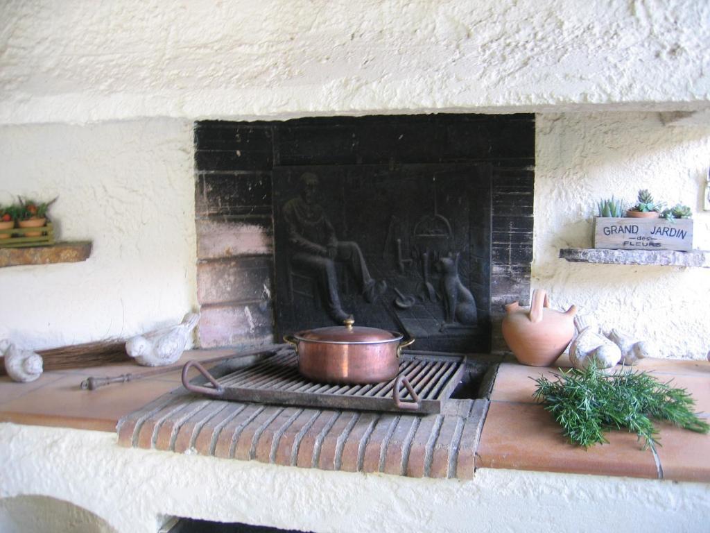 villa fabregas la seyne sur mer online booking viamichelin. Black Bedroom Furniture Sets. Home Design Ideas