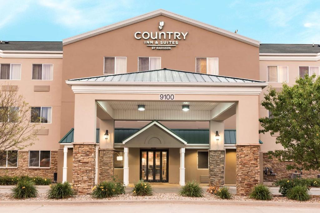 Country Inn & Suites by Radisson, Cedar Rapids Airport, IA