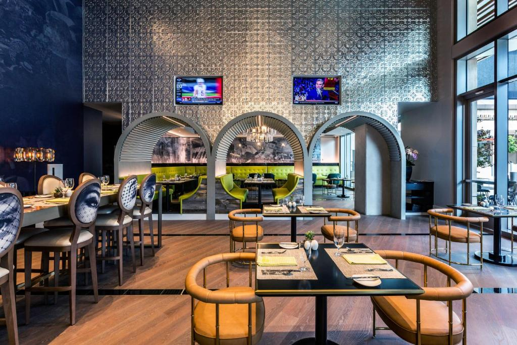 Hotel Indigo Dining