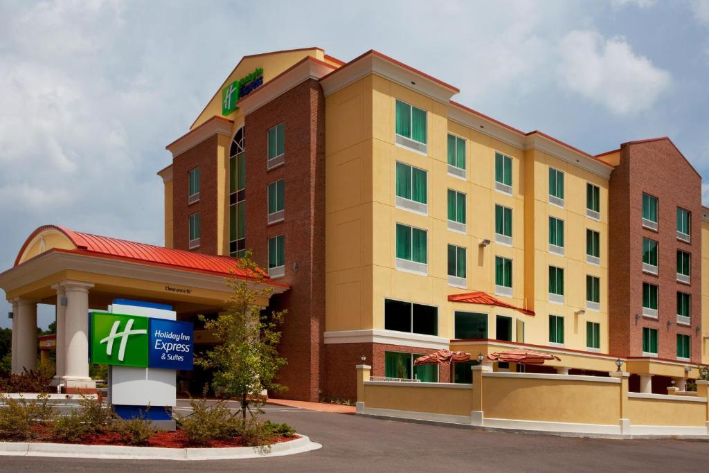 Holiday Inn Express Hotel & Suites Chaffee - Jacksonville West, an IHG Hotel