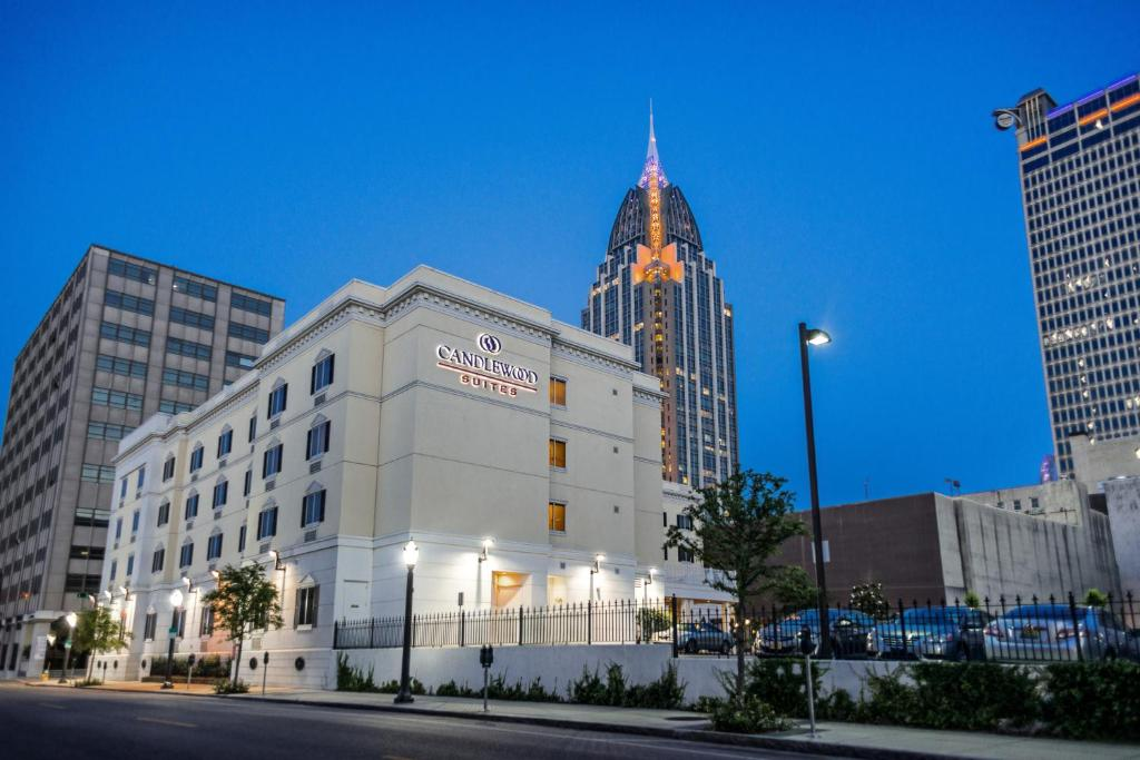 Candlewood Suites Mobile-Downtown, an IHG Hotel
