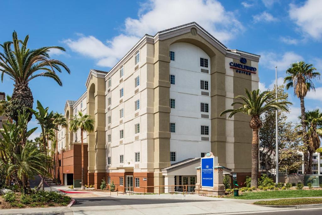 Candlewood Suites Anaheim - Resort Area, an IHG Hotel