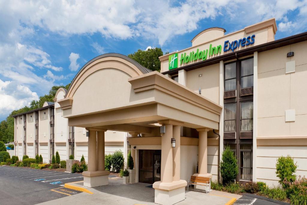 Holiday Inn Express Southington, an IHG Hotel