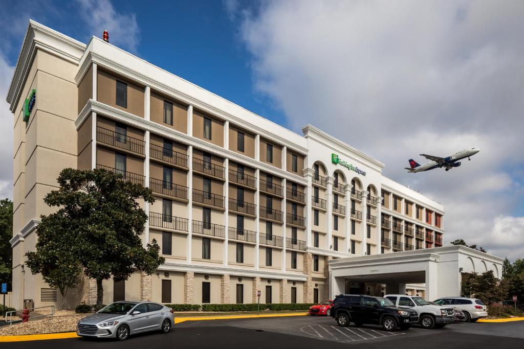 Holiday Inn Express Atlanta Airport-College Park, an IHG Hotel