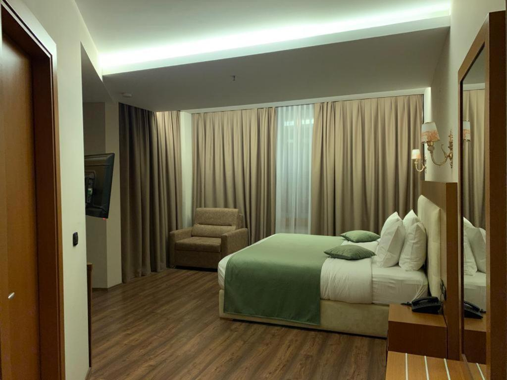 Albanopolis Hotel