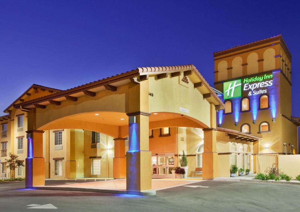 Holiday Inn Express Hotel & Suites Willows, an IHG Hotel