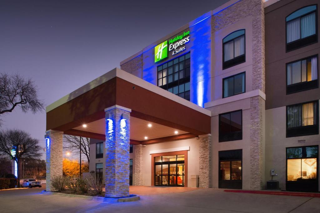 Holiday Inn Express Austin North Central, an IHG Hotel