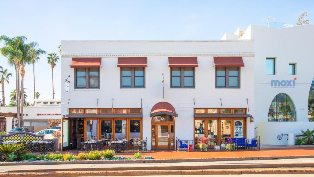 Hotel Indigo Santa Barbara, an IHG Hotel
