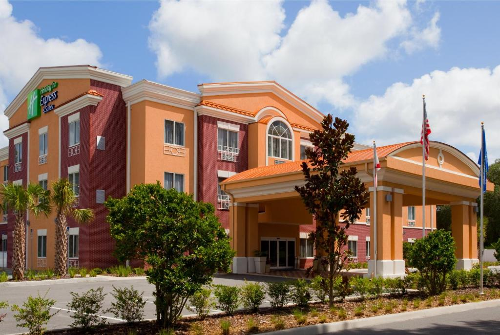 Holiday Inn Express Hotel & Suites Brooksville-I-75, an IHG Hotel