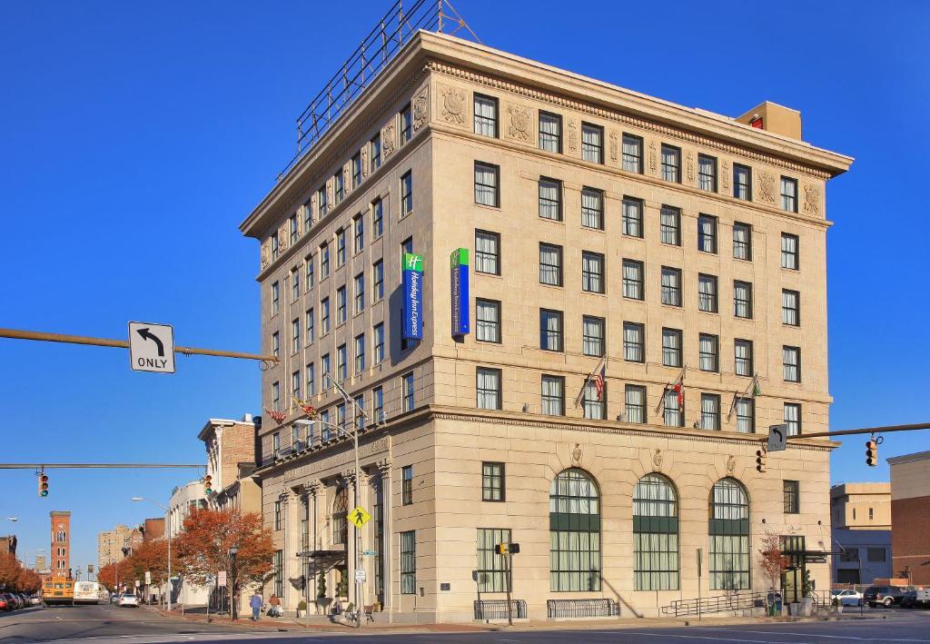 Holiday Inn Express Baltimore-Downtown, an IHG Hotel