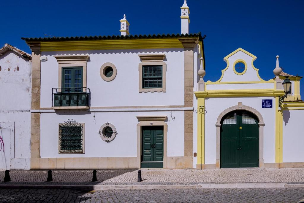 Faro Tradicional House - City center