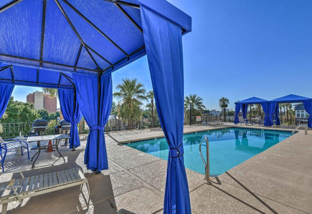 Downtown Phoenix Alcove Studio with Resort Amenities