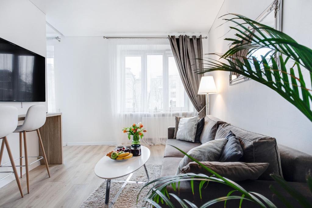 Cozy Naugarduko Apartments Close to Vilnius Old Town by Houseys