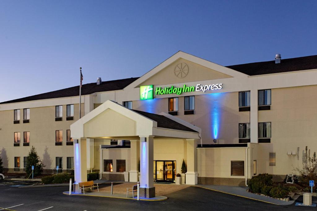 Holiday Inn Express Metropolis, an IHG Hotel