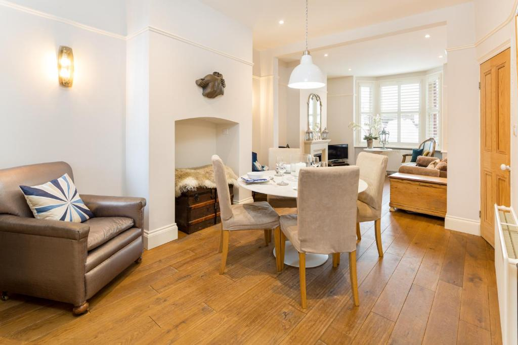 SPR Altrincham A Lovely Period Property House