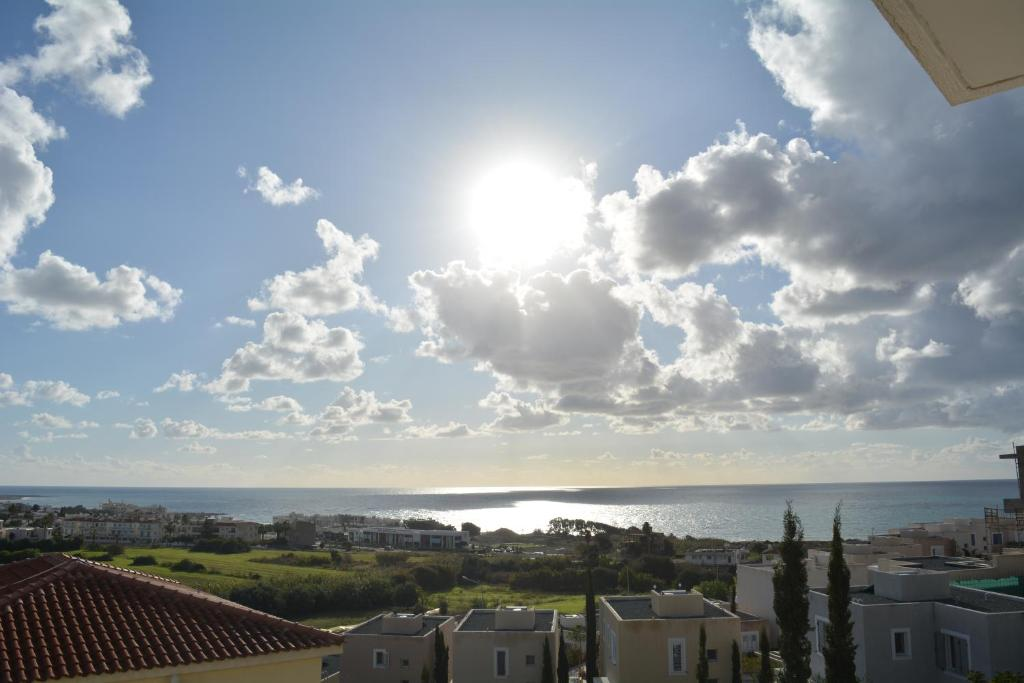 Eden Heights - Chlorakas Paphos - Sea View Luxury 2 Bed Apt By Yiota