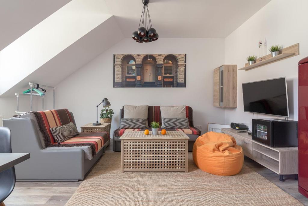 Apartment Lona