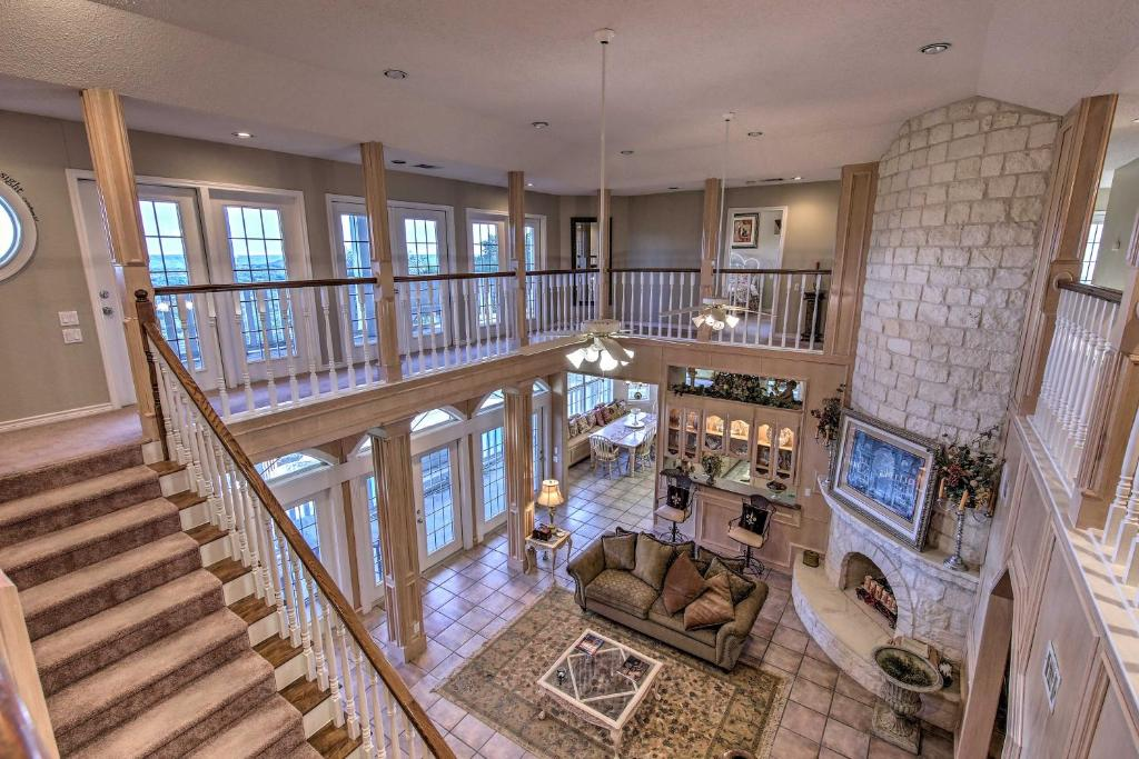 6,000-Square-Foot Wimberley Home with Private Pool!