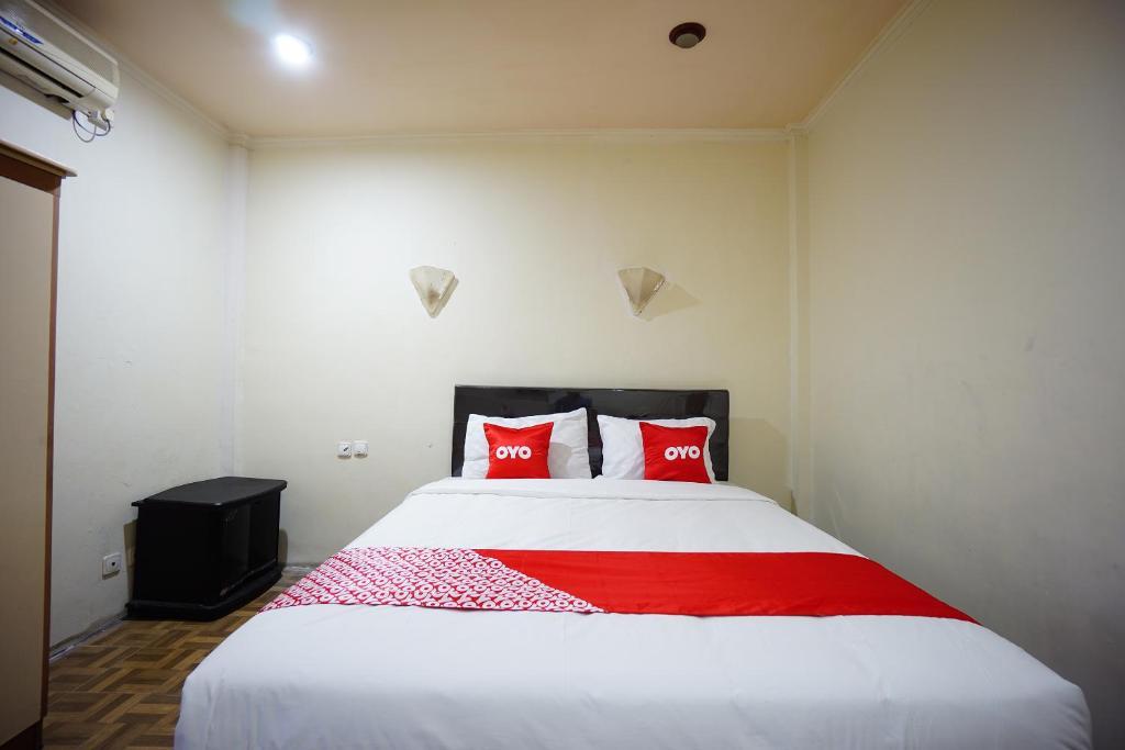 OYO 2217 Galaxy Hotel
