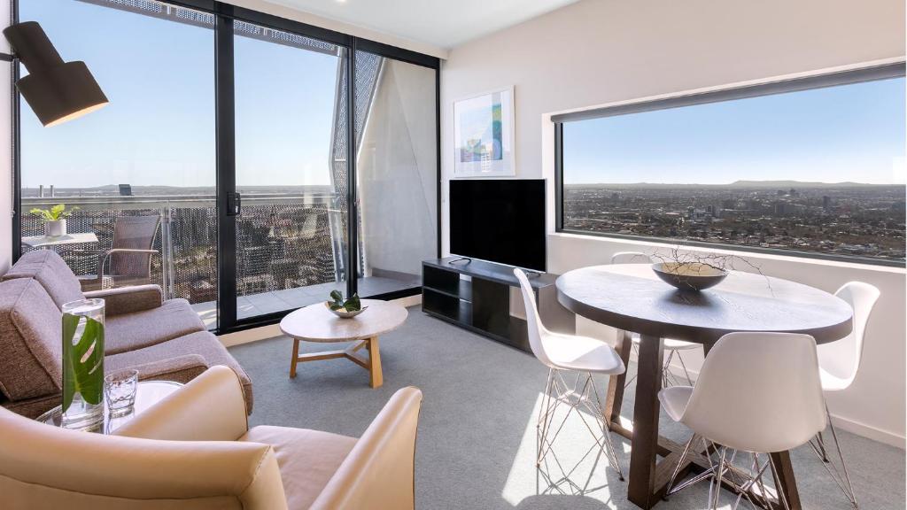 Oaks Melbourne on William Suites