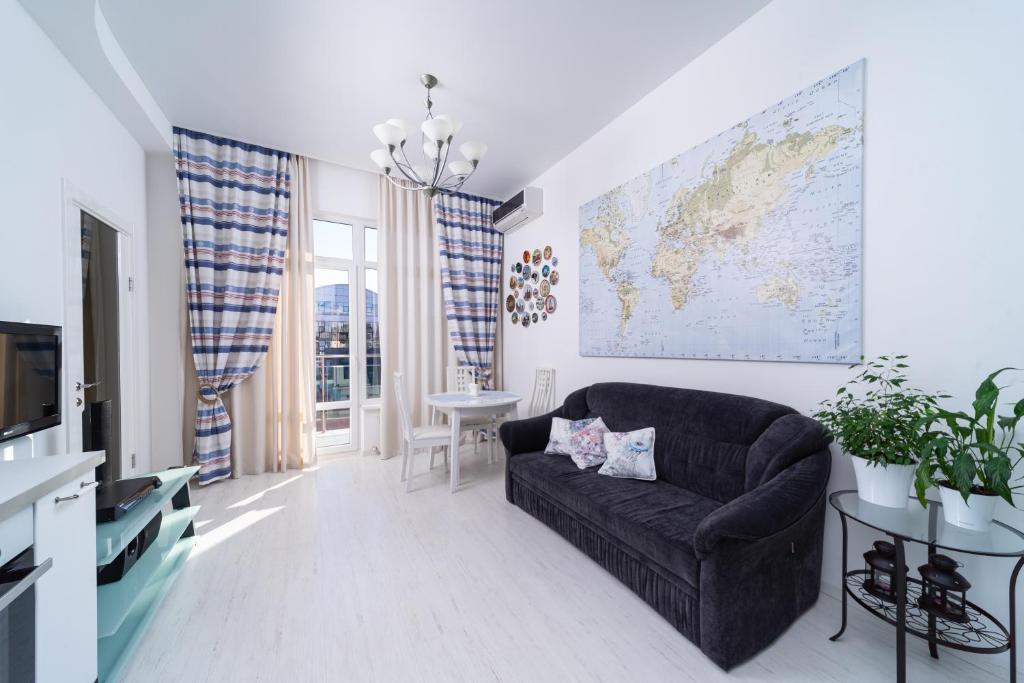 Apartment on Roz 115